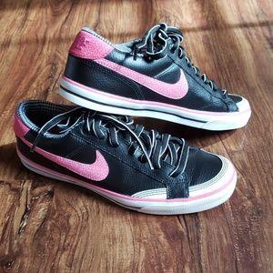 Pink & Black Nike's Women's Capri II, size 7.5